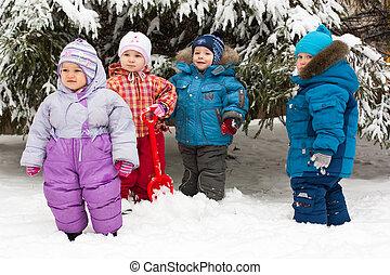 בחוץ, לשחק, השלג, ילדים