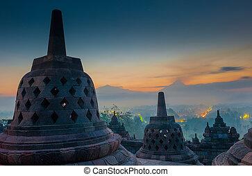 בית מקדש של בורובאדאר, ב, עלית שמש, ג'אווה, אינדונזיה