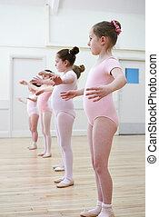 בלט, קבץ, לרקוד ילדות, צעיר, סוג