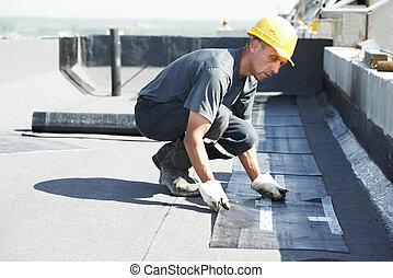 דירה, גג, לכסות, עבודות, עם, חומר לגג, הרגש