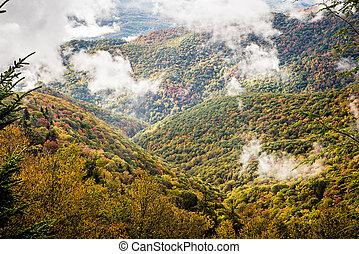 הרים אפופים עשן גדולים פרק לאומי