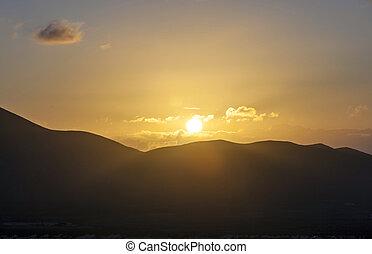 הרים, וולקני, בלאנכה, מעל, ראה, fromplaya, lanzarote., עלית שמש