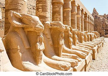 הריסות עתיקות, של, קארנאק, בית מקדש, ב, מצרים