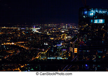 השקפה של אנטנה, כיטיסכאף, בלילה