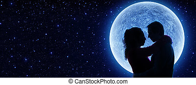 התאהב, מתחת, הירח