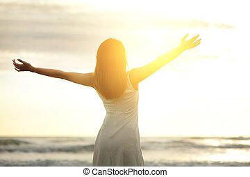 חייך, חינם, ו, אישה שמחה