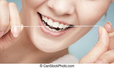 ילדה, לנקות שיניים, עם, של השיניים, floss., שירותי בריות