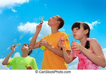 ילדים, לנשוף בועות
