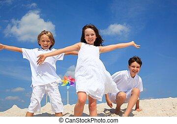 ילדים משחקים, ב, החף