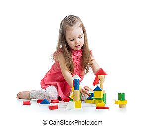 ילד, ילדה, לשחק, עם, חסום, צעצועים, מעל, רקע לבן