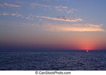 ים ים תיכוני, עלית שמש