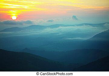 יפה, נוף של הר, חשכה