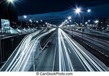 כביש מהיר, בלילה