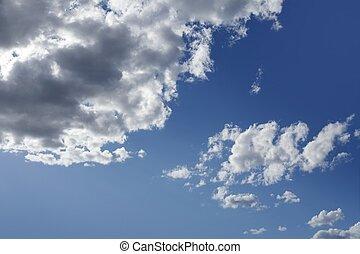 כחול, יפה, שמיים, עם, עננים לבנים, ב, יום בהיר