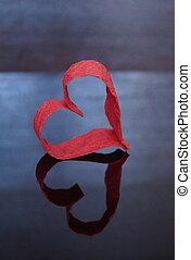 לב אדום, של, נייר, ב, a, רקע כהה