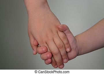 להחזיק ידיים