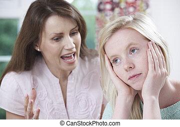 להתווכח, מתבגר, ילדה, אמא