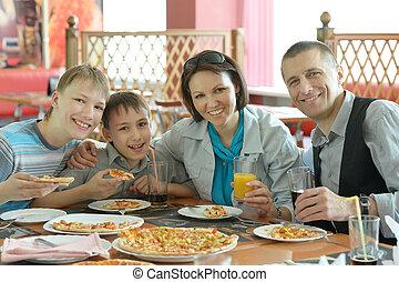 לחייך, לאכול, משפחה, פיצה