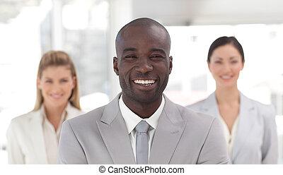לחייך, מצלמה, מנהיג, עסק