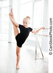 לעמוד, רקדנית בלט, קטן, רקוד, למתוח, אולפן, רגליים