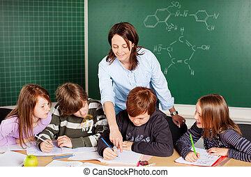 מורה, תלמידים