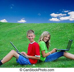 מחשבי נייד, להשתמש, בחוץ, ילדים