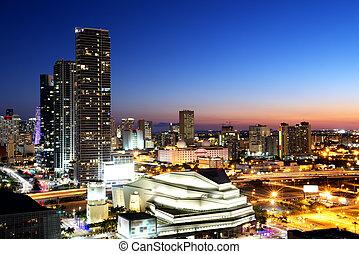 מיאמי, מרכז העיר, בלילה