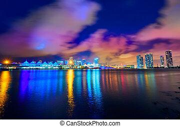 מיאמי, מרכז העיר, קו רקיע, שקיעה, פלורידה, אותנו