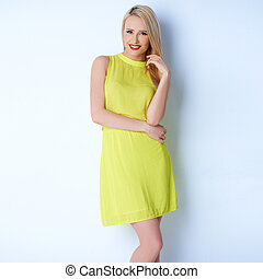 מיני, אישה, התלבש, בלונדיני, צהוב