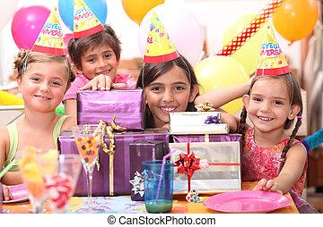 מפלגה, ילדים, יום הולדת