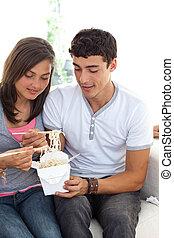 מתבגרים, קשר, פסטה, לאכול
