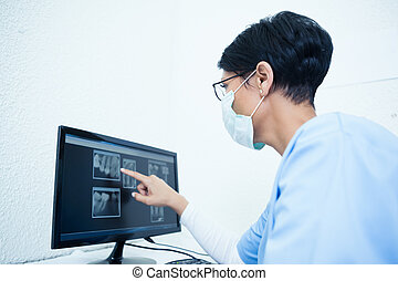 נקבה, רופא שניים, להסתכל ברנטגן, ב, מחשב