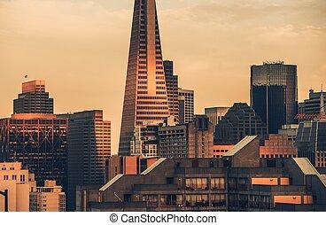 סן פרנסיסקו, ה, אחרון, בהק