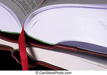 ספרים, #8, חוקי
