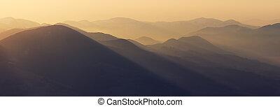 עלית שמש, בהרים