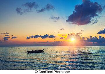 עלית שמש, מעל, אוקינוס