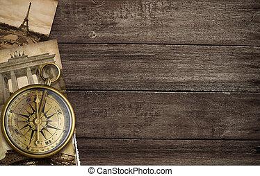 פליז, מצפן עתיק, ב, שולחן, עם, ישן, גלויות, ו, ציוני דרך,...