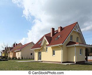 פרוורי, בתים