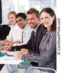 צוות של עסק, ב, a, פגישה