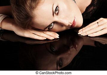 צילום מקרוב, אישה, שפתיים, דמות, בלונדינית, אדום