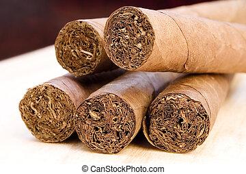 צילום מקרוב, סיגרים