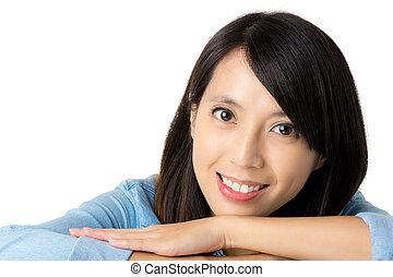 צעיר, אישה אסייתית, עם, לחייך