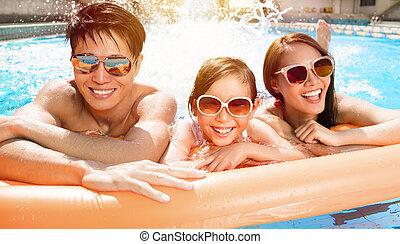 צרף, לשחות, לשחק, משפחה, שמח