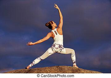 קוקאייזיאני, כושר גופני, אישה, להתאמן, יוגה