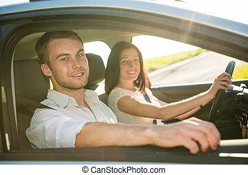 קשר, במכונית