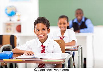 ראשי, מורה, סטודנטים