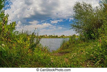 רוסי, שמיים כחולים, קיץ, עננים, נוף של נחל