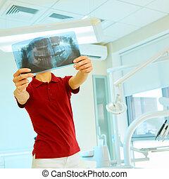 רופא, או, רופא שניים, להסתכל ברנטגן