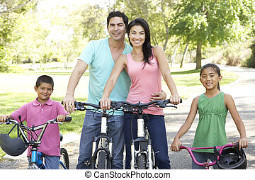 רכוב אופניים, חנה, משפחה צעירה