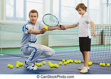 שחק, בית משפט של טניס, שבתוך הבית, איך, חנוך, ילד, ללמד, מורה, או